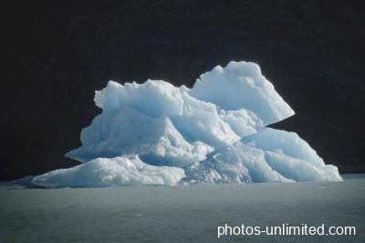 2-20-piece-of-a-glacier-argentina