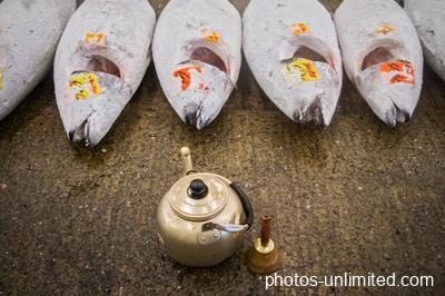 4-14-at-the-tuna-auction-tokyo-japan