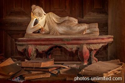6-09-reclining-buddha-in-alabaster
