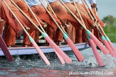 6-18-leg-rowers-on-inle-lake