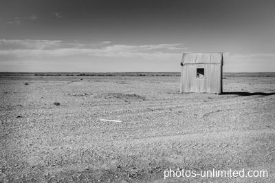 7-12-lonely-hut-australia